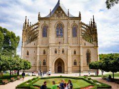Päiväretki Prahasta: Kammottava ja kaunis Kutna Hora