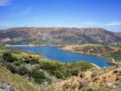 Kreetaa autolla: Rethymnonista järvelle, rotkoon ja luolaan